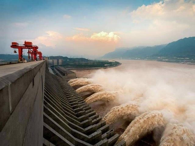 Trung Quốc bác tin đập Tam Hiệp biến dạng vì mưa lũ - 1