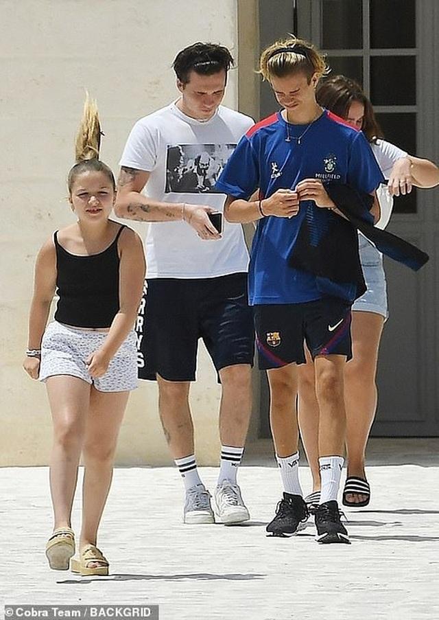 Gia đình Beckham đi nghỉ mát ở Italia - 3