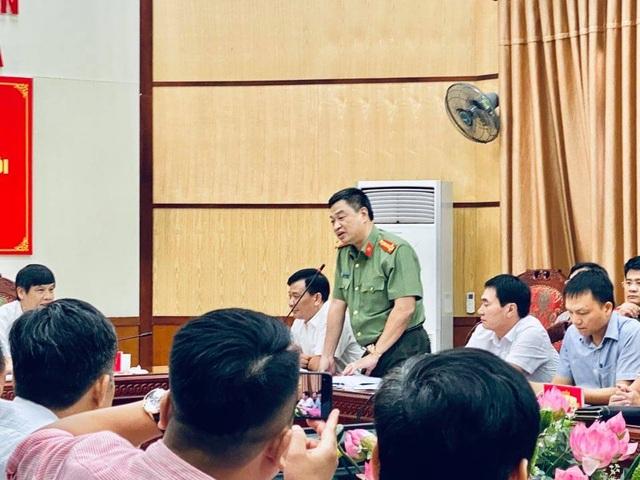 Bắt hai phóng viên để điều tra về hành vi tống tiền Phó Chủ tịch thị xã - 1