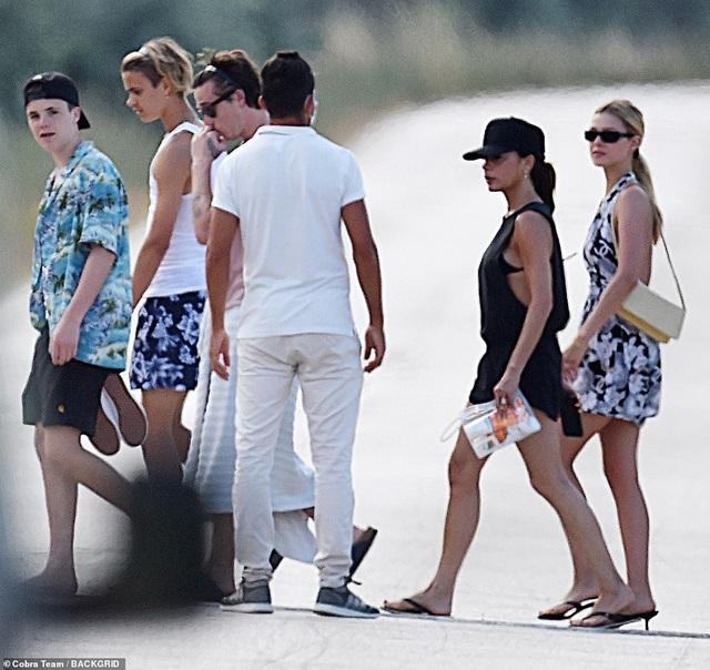 Gia đình Beckham đi nghỉ mát ở Italia - 7