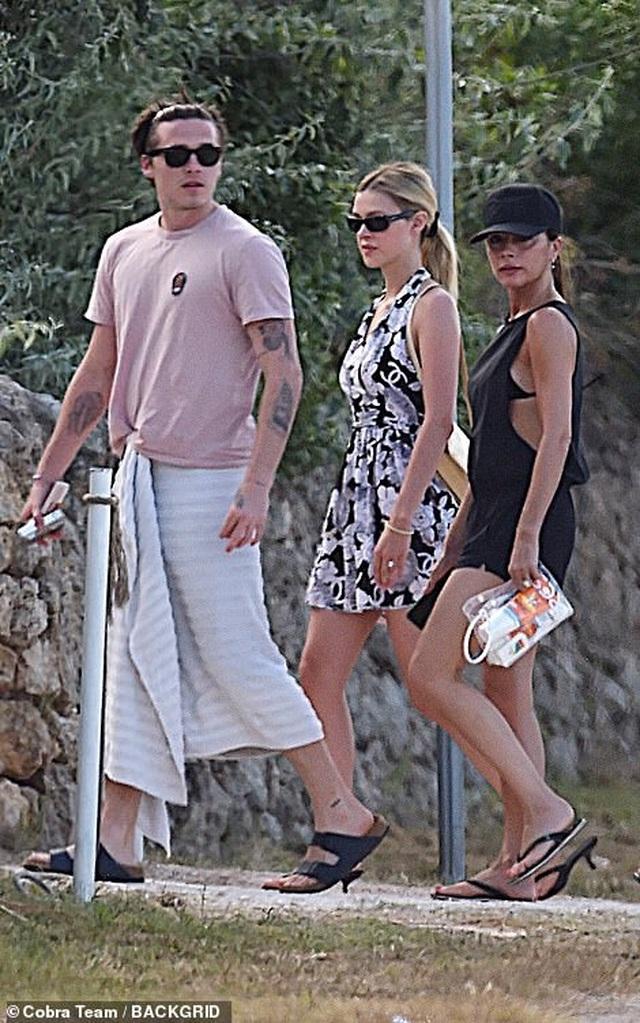 Gia đình Beckham đi nghỉ mát ở Italia - 10