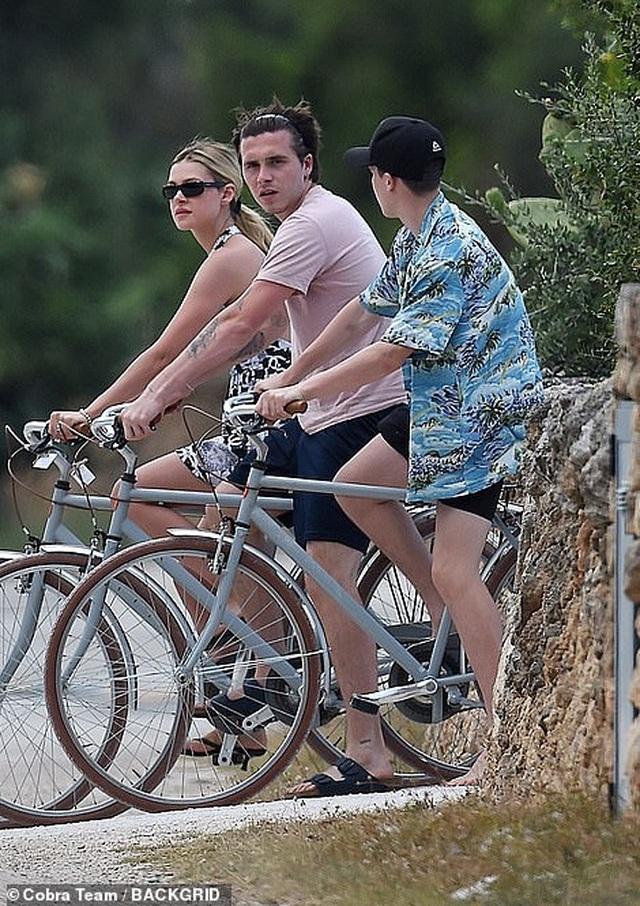 Gia đình Beckham đi nghỉ mát ở Italia - 4