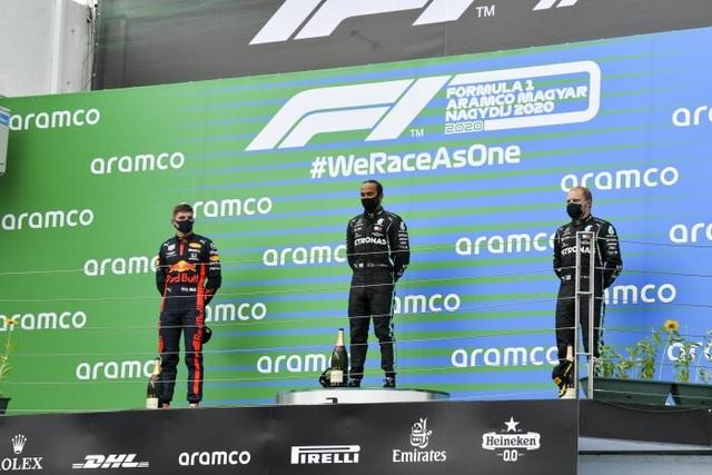 Lewis Hamilton cân bằng kỷ lục với huyền thoại Michael Schumacher - 15