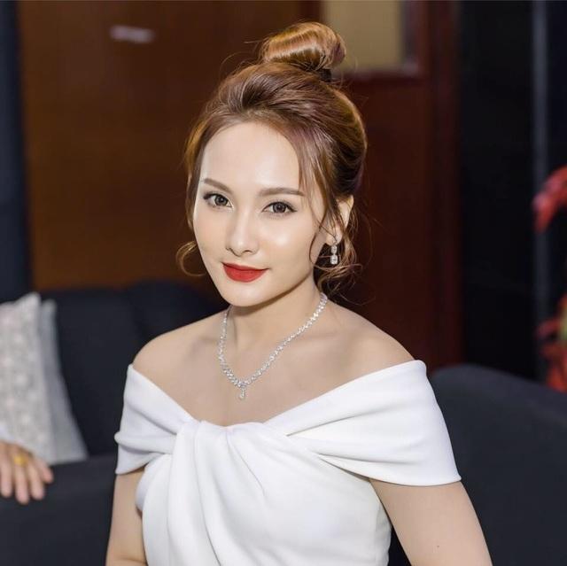 Ngỡ ngàng tên thật của MC Quyền Linh, ca sĩ Quang Lê và dàn sao - 2