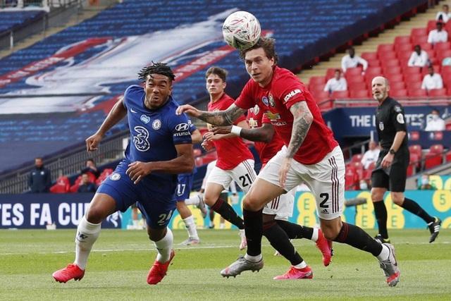 Man Utd 1-3 Chelsea: De Gea, Maguire liên tiếp mắc sai lầm - 12