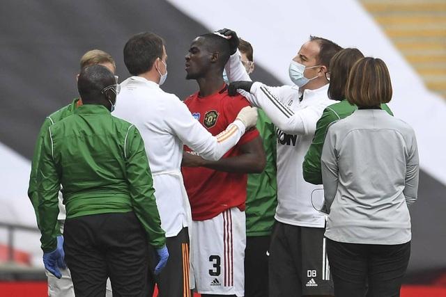 Man Utd 1-3 Chelsea: De Gea, Maguire liên tiếp mắc sai lầm - 9