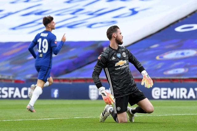 Man Utd 1-3 Chelsea: De Gea, Maguire liên tiếp mắc sai lầm - 6