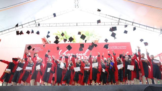 14 học sinh nhận học bổng du học tại Anh, Mỹ, Hà Lan và Hàn Quốc - 3