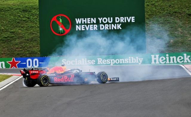 Lewis Hamilton cân bằng kỷ lục với huyền thoại Michael Schumacher - 10