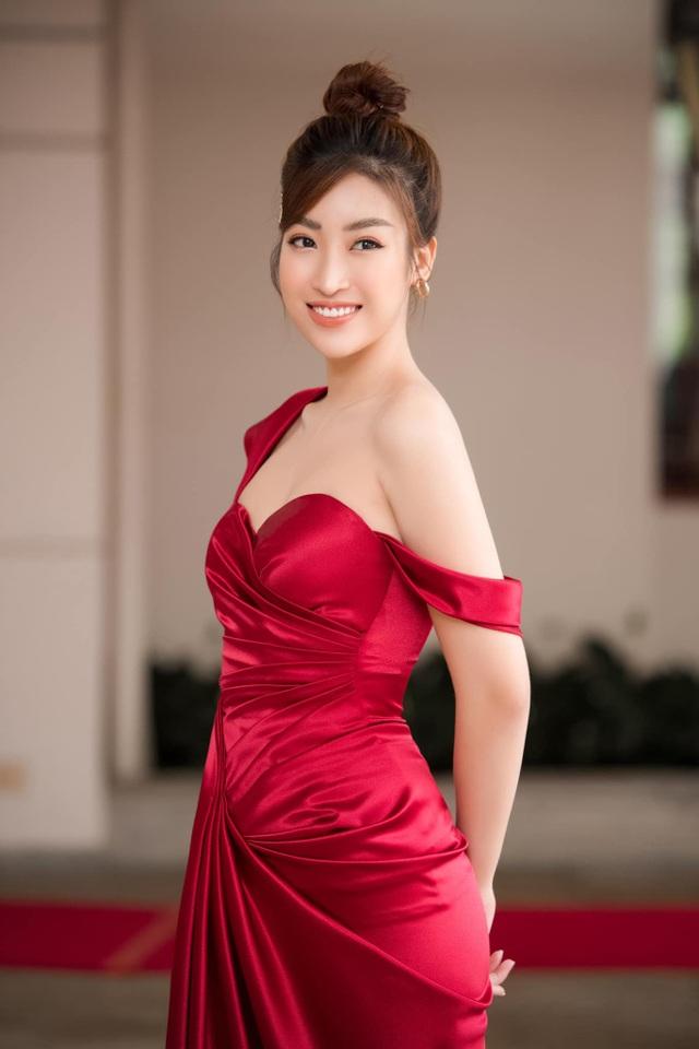 """Hoa hậu Đỗ Mỹ Linh: """"Chưa đến thời điểm để tôi tính chuyện kết hôn"""" - 6"""