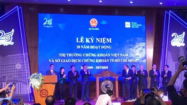 Thủ tướng Nguyễn Xuân Phúc: Chứng khoán Việt sẵn sàng chinh phục biển lớn - 2