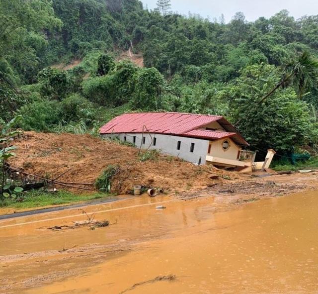 Hình ảnh lũ lụt hãi hùng, ô tô trôi bồng bềnh ở Hà Giang - 6