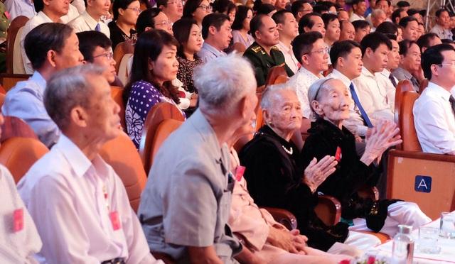Truyền hình: Lễ trao 73 Bằng Tổ quốc ghi công tại Quảng Nam - 1