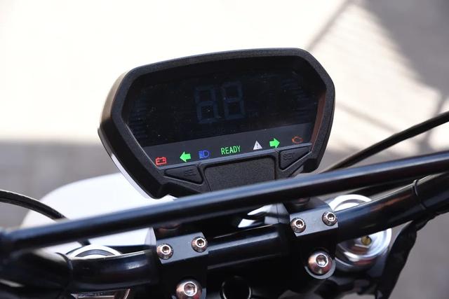 Xe máy điện Punch Moto - Đơn giản và khác lạ - 8