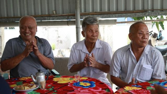 Lãnh đạo tỉnh Long An thăm, tặng quà người có công với cách mạng - 9