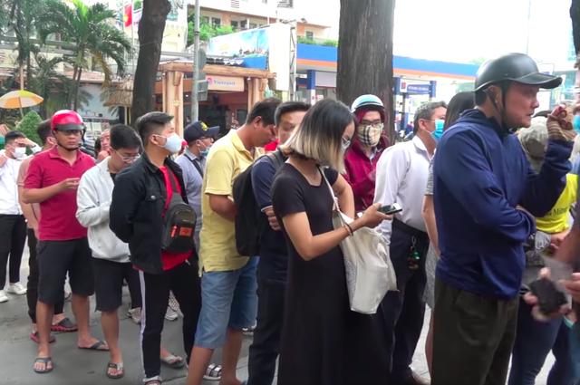 Người hâm mộ TPHCM lên cơn sốt với cuộc so tài Công Phượng – Quang Hải - 1