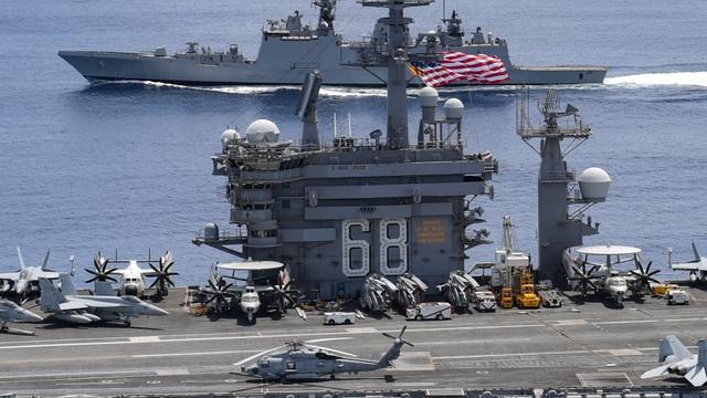 Tàu sân bay Mỹ tập trận với Ấn Độ tại eo biển Malacca - 1