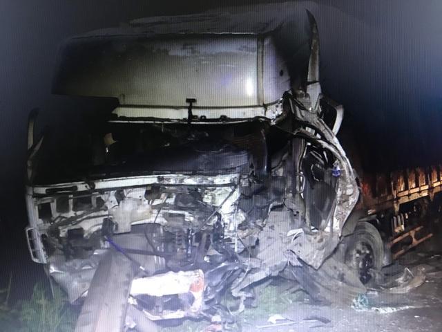 """Hiện trường vụ xe khách """"đấu đầu"""" xe tải khiến 8 người chết ở Bình Thuận - 2"""