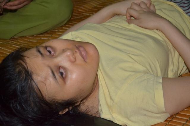 Thương cô gái trẻ nằm liệt 11 năm ước một lần về thủ đô khám bệnh - 5