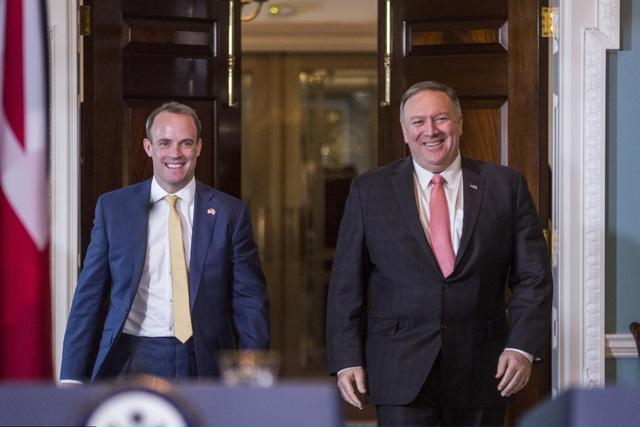 Đến thăm Anh, Ngoại trưởng Mỹ chỉ trích Trung Quốc - 1