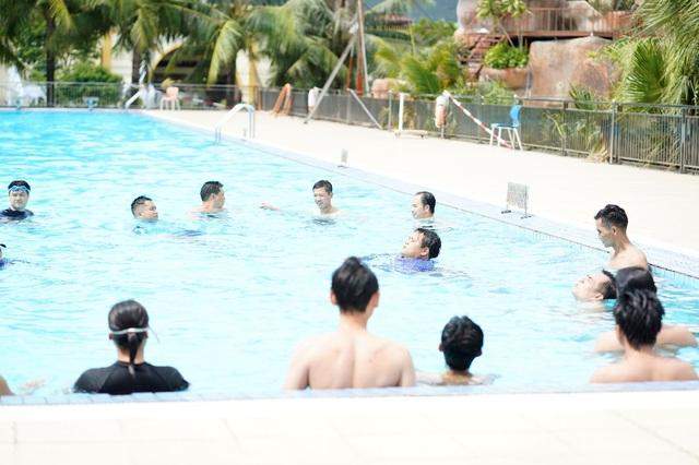 100 giáo viên thể chất tham gia tập huấn phòng chống đuối nước trẻ em - 4
