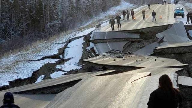 Động đất 7,8 độ Richter ở Alaska, Mỹ cảnh báo sóng thần - 2