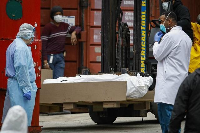 Hơn 1.000 người chết một ngày, Mỹ muốn hợp tác vắc xin Covid với Trung Quốc - 1