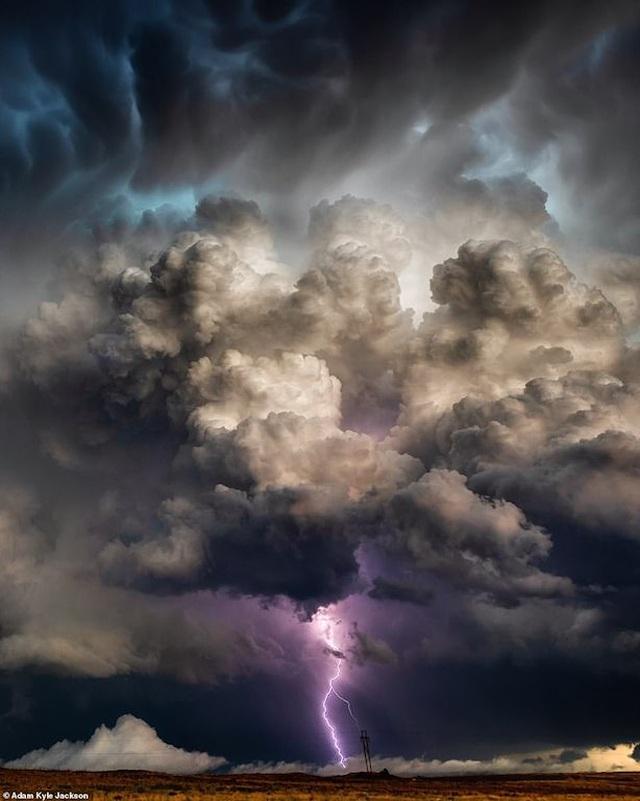 """""""Người săn bão"""" và bộ ảnh về những cơn bão khủng khiếp trên nước Mỹ - 1"""