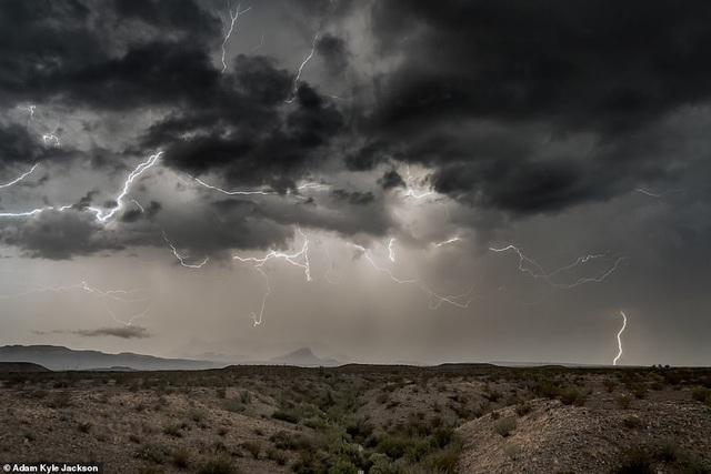 """""""Người săn bão"""" và bộ ảnh về những cơn bão khủng khiếp trên nước Mỹ - 2"""