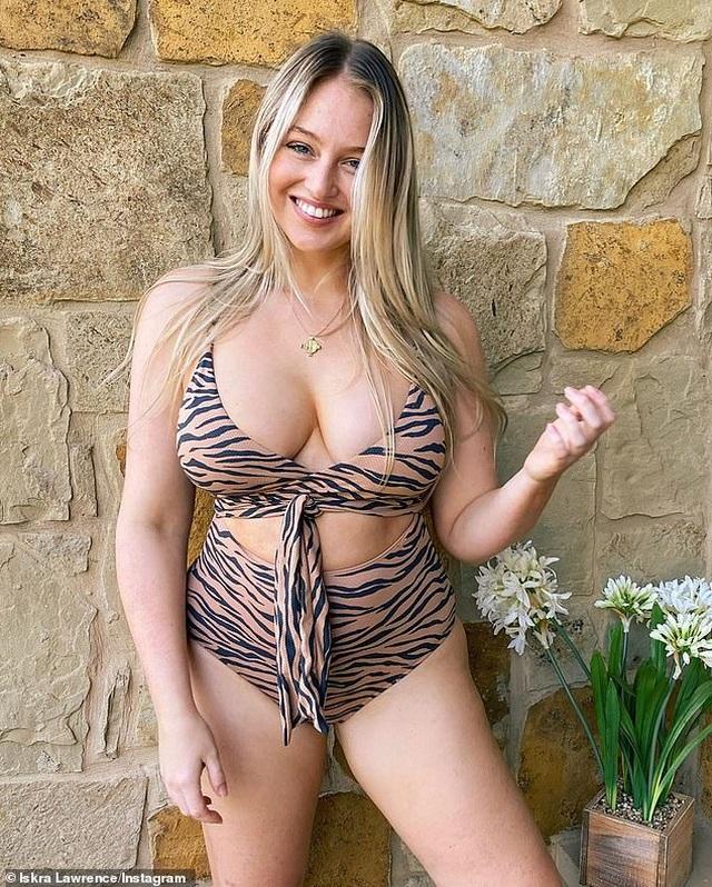 Người mẫu ngoại cỡ Iskra Lawrence liên tục tung ảnh gợi cảm - 1