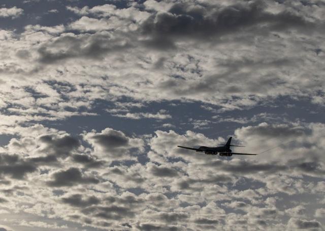 Máy bay ném bom B-1B Mỹ làm nhiệm vụ tại Biển Đông - 2