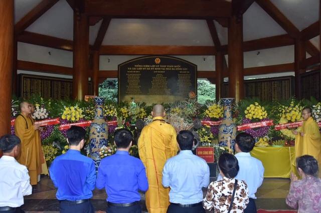 Trang trọng lễ giỗ 10 nữ liệt sĩ thanh niên xung phong Ngã ba Đồng Lộc - 3