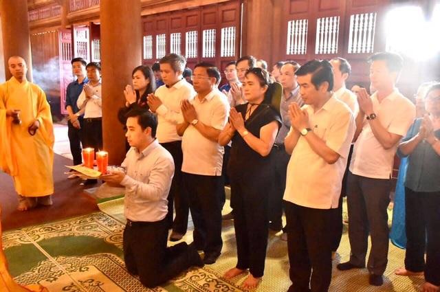 Trang trọng lễ giỗ 10 nữ liệt sĩ thanh niên xung phong Ngã ba Đồng Lộc - 1