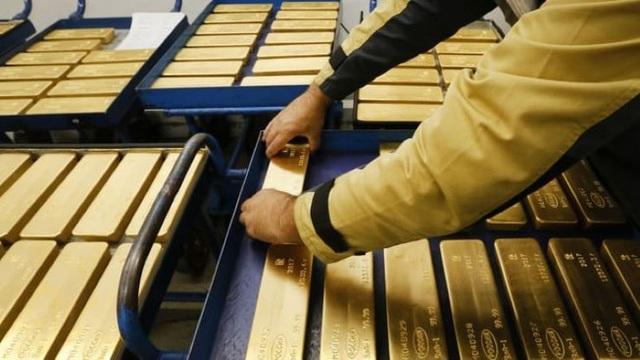 Đây là lý do thổi giá vàng tăng sốc 2 triệu đồng sau một đêm - 1