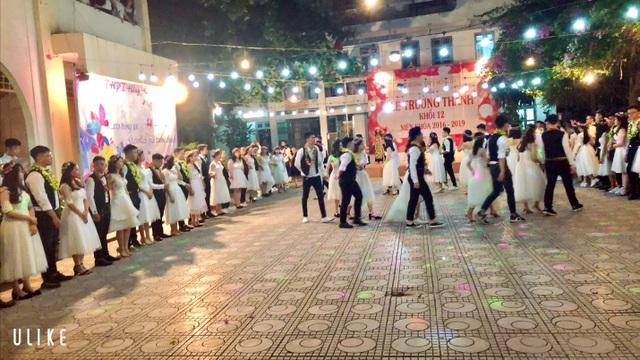 Tại sao Lễ trưởng thành của trường THPT Hồng Hà luôn đặc biệt? - 4