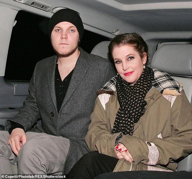Lisa Marie Presley không muốn trở về ngôi nhà nơi con trai tự vẫn - 1