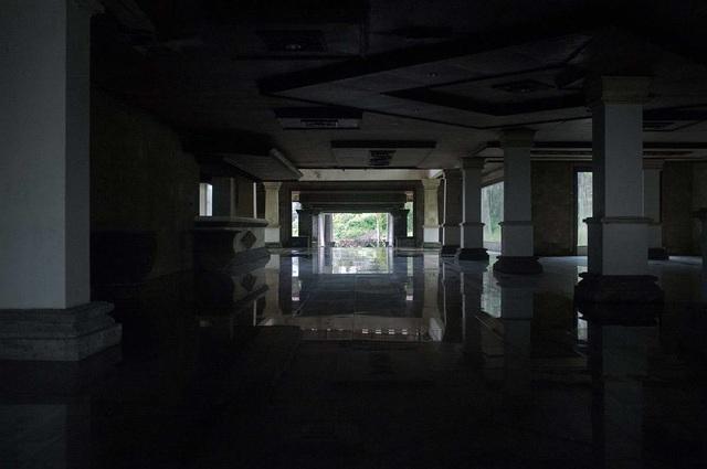 Khách sạn cao cấp 30 năm chưa từng đón khách và truyền thuyết bị ma ám - 5