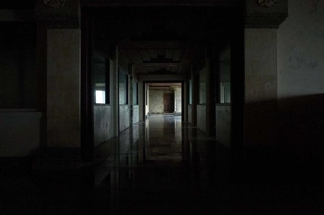 Khách sạn cao cấp 30 năm chưa từng đón khách và truyền thuyết bị ma ám - 4