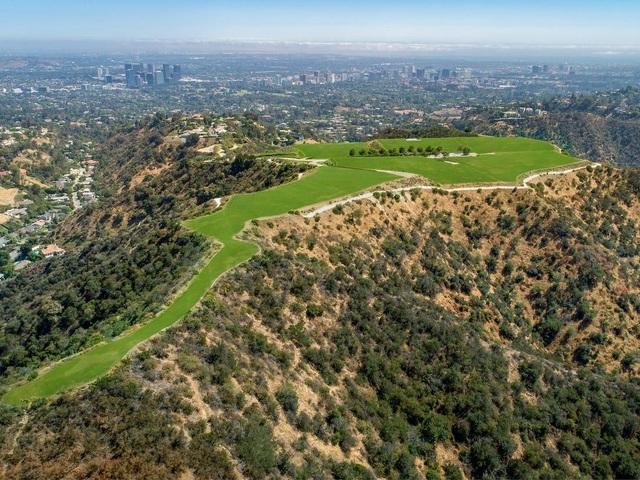 """Cận cảnh mảnh đất giá 1 tỷ USD, lập kỷ lục """"đắt nhất thế giới"""" ở Mỹ - 1"""