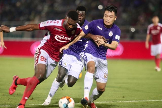 Bị từ chối hai quả phạt đền, CLB TPHCM thua cay đắng CLB Hà Nội - 2