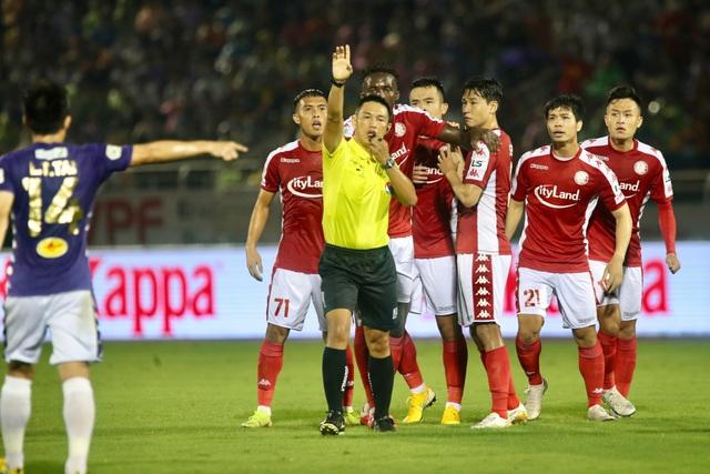Bị từ chối hai quả phạt đền, CLB TPHCM thua cay đắng CLB Hà Nội - 4