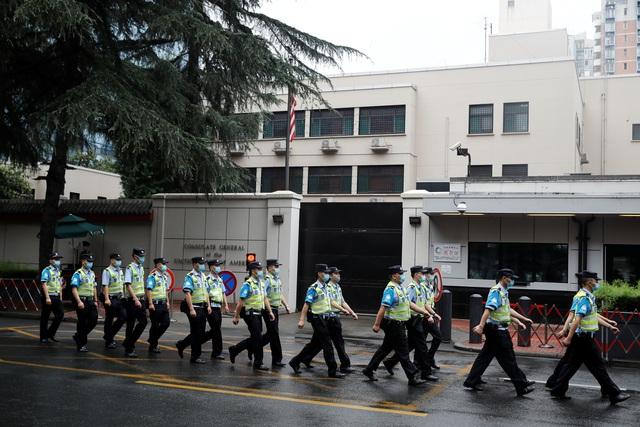 Mỹ tháo phù hiệu, gấp rút chuẩn bị rời khỏi lãnh sự quán ở Thành Đô - 7