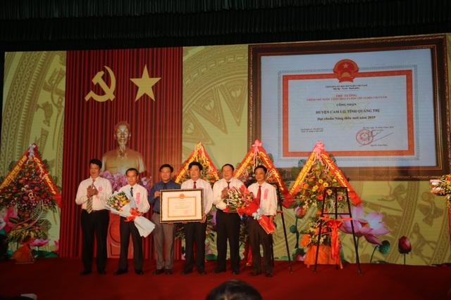 Huyện đầu tiên tại Quảng Trị đón bằng công nhận đạt chuẩn Nông thôn mới - 2