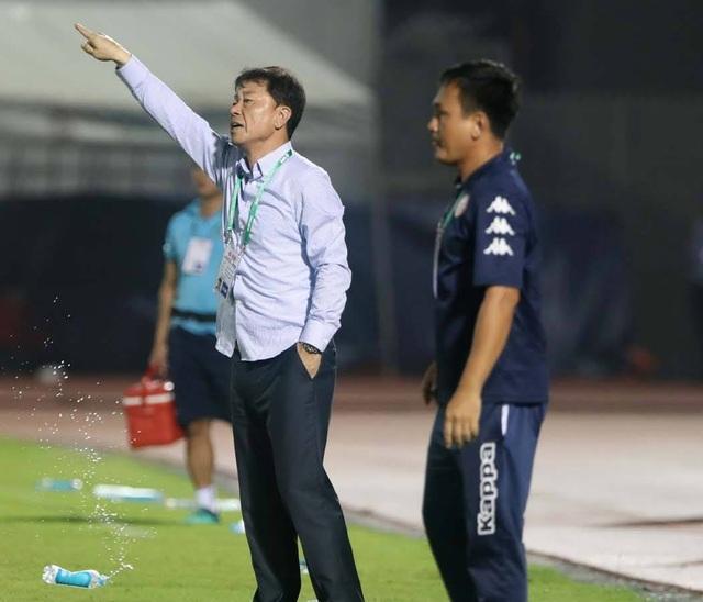 Thất vọng với trọng tài, HLV Chung Hae Seong xin từ chức - 1