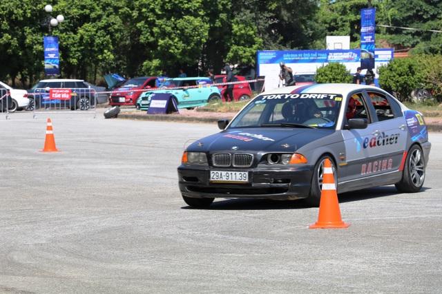 Khởi tranh giải đua ô tô thể thao Gymkhana tại Ninh Bình - 3