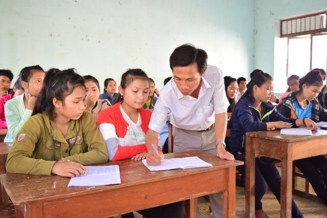 Quảng Ngãi:  Sở Giáo dục lý giải việc dừng chi trả phụ cấp thâm niên - 1
