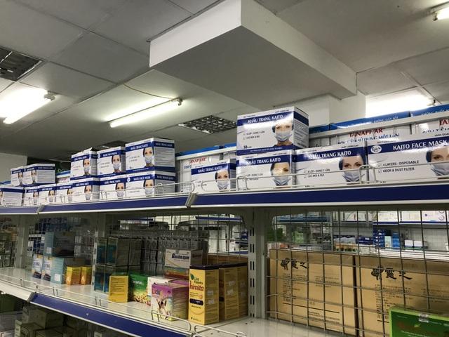 Dân mạng nháo nhác, săn lùng khẩu trang y tế khắp các chợ online - 3