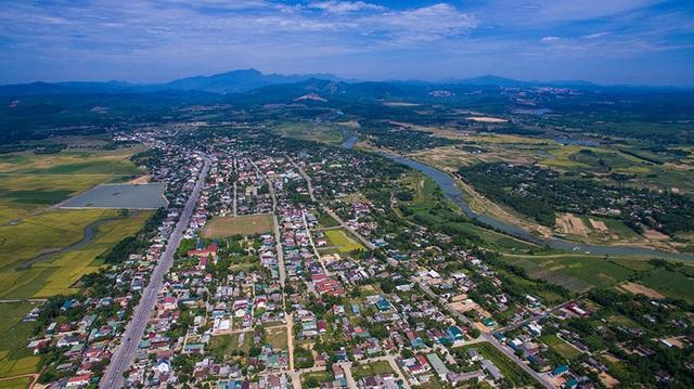 Huyện đầu tiên tại Quảng Trị đón bằng công nhận đạt chuẩn Nông thôn mới - 1