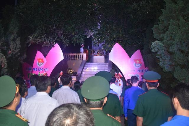Lào Cai: Hơn 5.000 đoàn viên thanh niên thắp nến, dâng hương tri ân liệt sĩ - 3