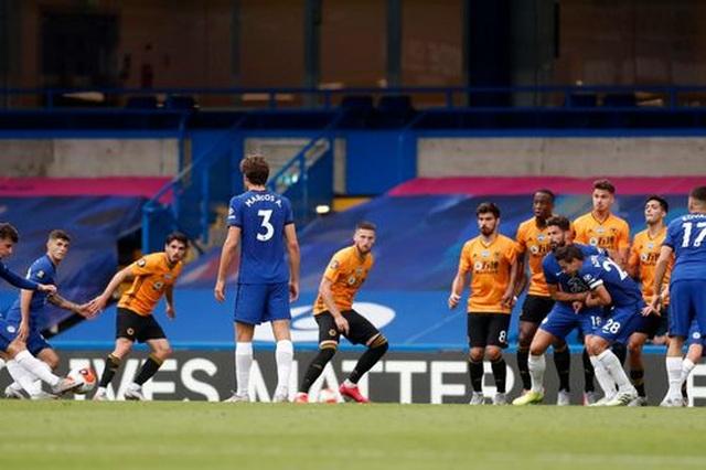 Chelsea 2-0 Wolves: Những cú đánh nhanh gọn - 8